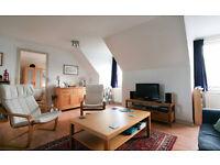 SHORT TERM LET: (Ref: 394) Duncan Street. Bright top floor flat in popular Newington!!