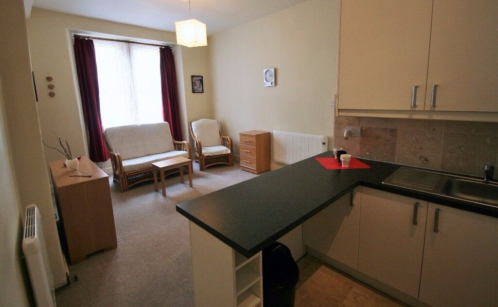 Furnished one bedroom ground floor flat in Newton Street, off Gorgie Rd