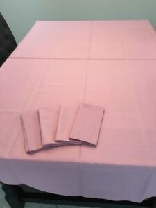 Pink Oval Tablecloth with Matching  Napkins