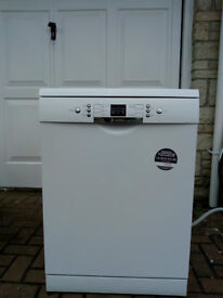 Bosch Dishwasher - Model No: SMS53A12GB. Perfect working condition.