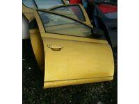 2001 toyota yaris 5 door osf door in gold