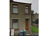End Terraced Property - 5 Min Walk To University - Riley Street, Newsome, HD4