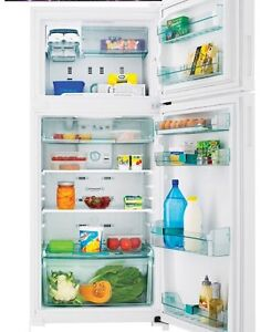 Whirlpool 410L fridge/freezer (approx 5-6 years old) Greenslopes Brisbane South West Preview
