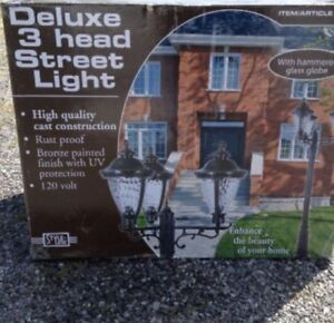 Deluxe 3 Head Street light