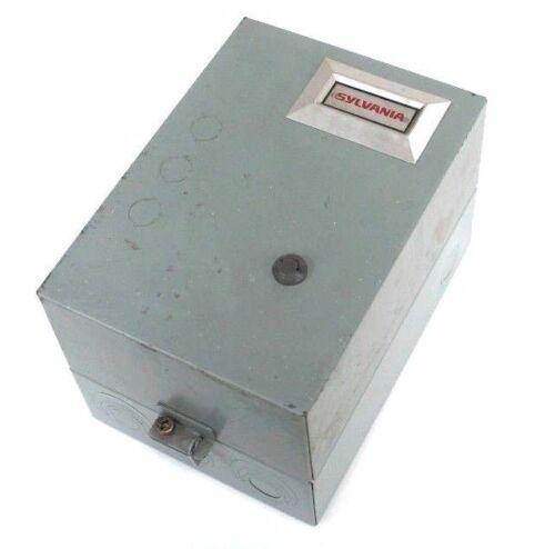 SYLVANIA T13U03A TYPE TM SIZE 00 NON REVERSING STARTER 9A 460-575V W/ ENCLOSURE