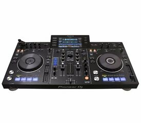 Pioneer XDJ-RX (inc. Numark P-Wave 360 Speakers and Sennheiser DJ headphones)