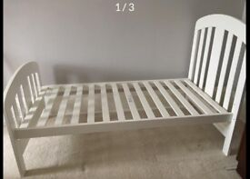 Mamas and Papas cot bed and mattress with changing table/drawers