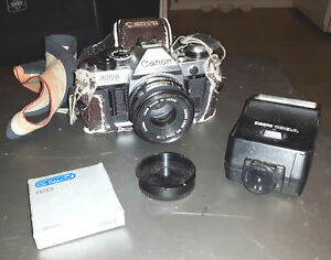 CANON 35MM CAMERA WITH ACCESSORIES