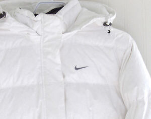 NIKE Down Filled Puffer Jacket Ladies Small - As NEW!
