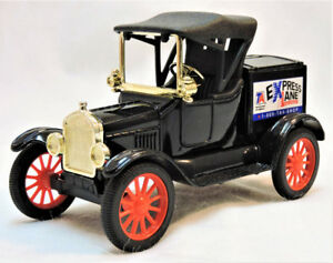 New in Box Ertl Collectibles 1918 Ford Runabout