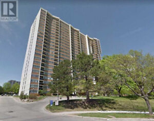 Beautiful Unobstructed View,3+1Beds,2Baths,100 ECHO PT Toronto