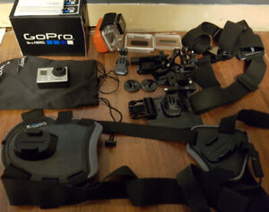 Selling GoPro Hero 3+ Silver + Accessories
