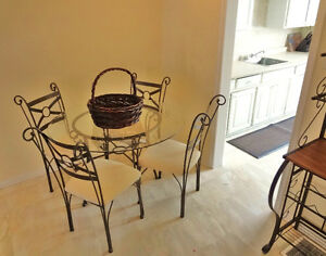 Rent a Fully Furnished Townhouse short or long term November 1