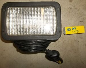 "4"" X 6"" MAGNETIC FLOOD LAMP WITH 20' OF CORD & SPARE BULB"