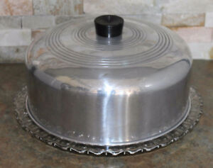 CAKE PLATE WITH METAL LID - VINTAGE