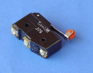 Microswitch-con-funzionamento-a-rotella-10A