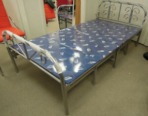 Folding platform bed with 11 legs single size,bed