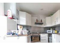 Furnished room in 6-bedroom apartment in Willesden