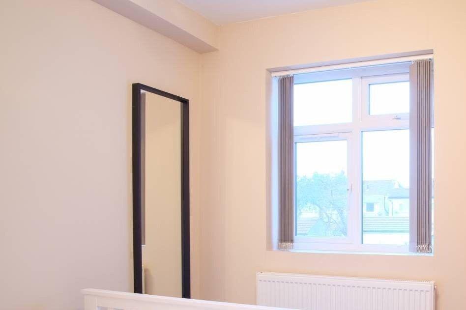 Cozy Room To Rent In 8 Bedroom Flatshare In Redbridge In Wanstead