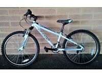 Jamis X 24 unisex kids mountain bike, light alloy frame , shimano 14 speed gears & front suspension