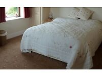 A double room to rent in manor including all bills £520 per month