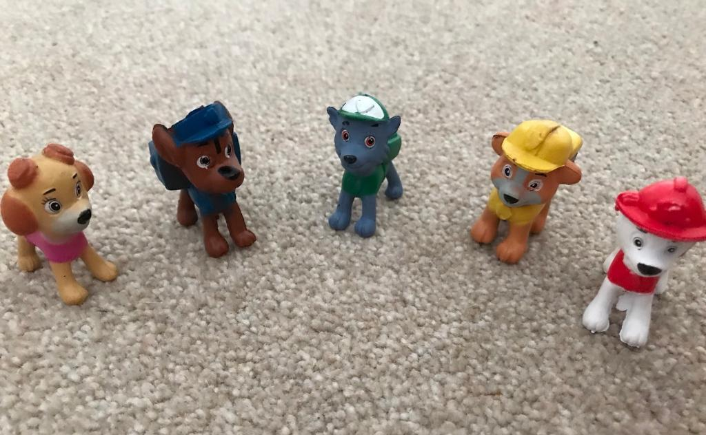 Paw Patrol Mini Figures / Cake Toppers