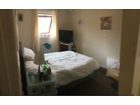 2 BEDROOM FLAT TO SHARE IN WEST END