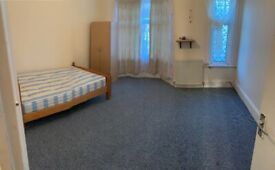 Spacious 3 bed house Manor park part dss welcome