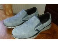 Skechers shoes size 9- almost brand new