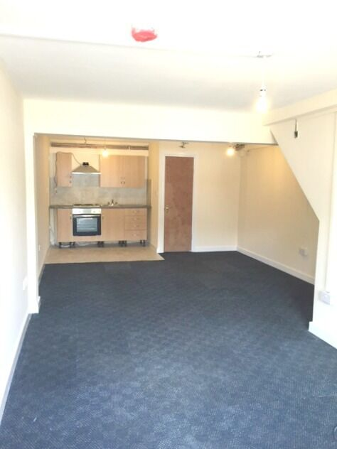 Brand New Studio Apartment moments away from Blackhorse Road Station Inc Electricity & Water, Exc CT