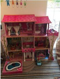 128cm (ish) Dolls House £40.00