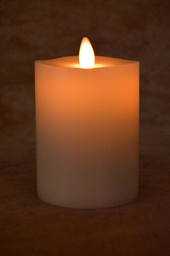 Liown LightLi Moving Flameless Candle, Ivory Wax Pillar 3.5x5 inch, NEW