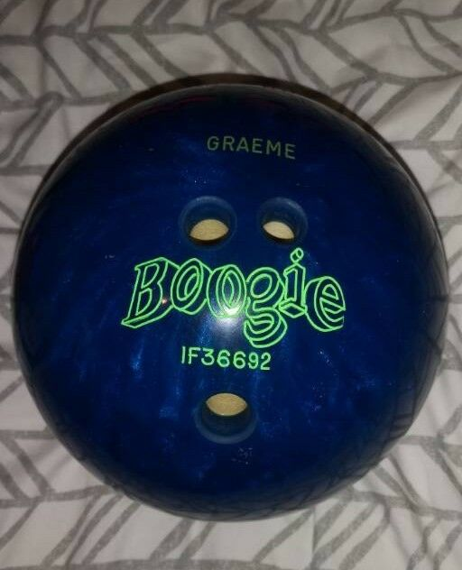 amf 8lb boogie ten pin bowling ball with name graeme engraved on