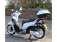 Superb scooter with ABS brakes