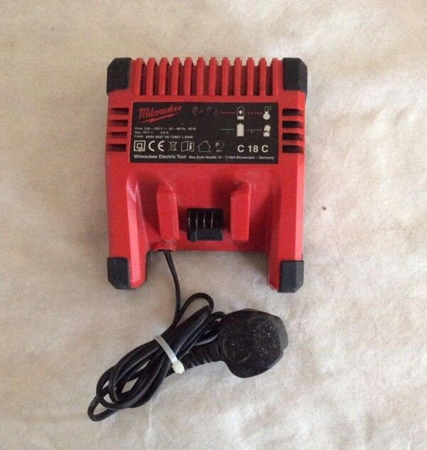 MILWAUKEE 18V LITHIUM-ION C18C BATTERY CHARGER FOR SALE
