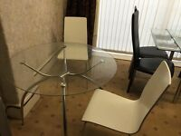 IKEA DESIGNER GLASS ROUND TABLE N 2 CHAIRS