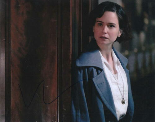 KATHERINE WATERSTON.. Fantastic Beasts and Where To Find Them - SIGNED