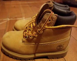 "Boys Toddler Size 9 Timberlands Boots (8"" Length)"