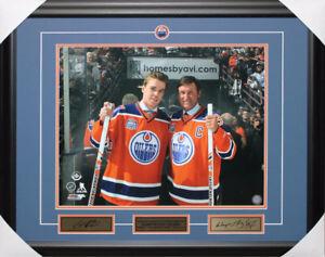Wayne Gretzky Connor McDavid Unsigned frame