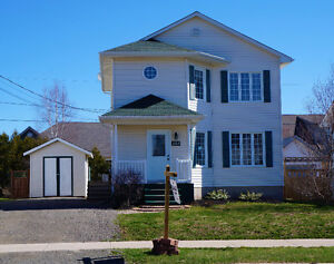 ~ House for sale - Moncton North area $195 000 ~