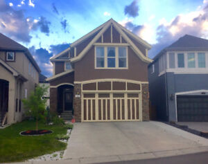 Stunning Executive 6 Bedroom Home Backing onto Green Space