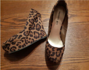 bf2f4fae9c Leopard Print Shoes | Kijiji - Buy, Sell & Save with Canada's #1 ...