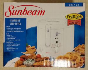 Sunbeam Fryright Deep Fryer, model 3247-33