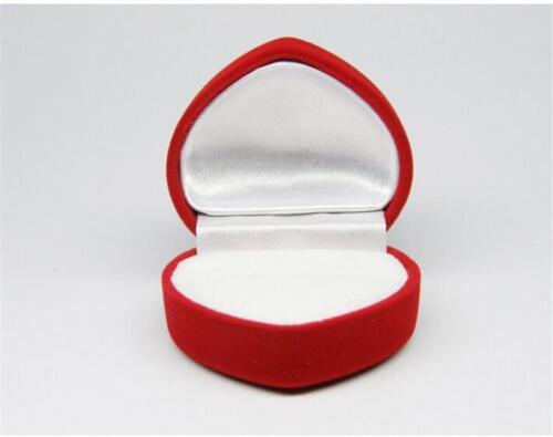 отклонения обручальные кольца в красной коробочке фото людям будет