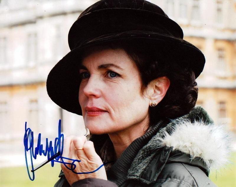 ELIZABETH McGOVERN.. Downton Abbey's Cora Crawley - SIGNED