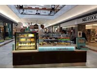 (BRENT CROSS) LOLA'S CUPCAKES - PART TIME - Join our team for a great career!