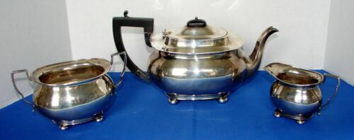 VINTAGE ENGLISH STERLING SILVER TEASET 3-PC JOHN & WILLIAM DEAKIN 1905 SHEFFIELD