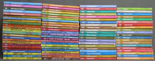"""Vintage """"Harlequin Romance"""" Series Books Red Edge Mostly 1970s Huge Lot Of 105"""