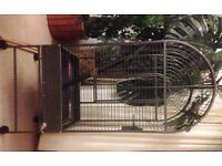 Large Parrot/Bird cage: excellent condition!