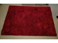 Large shaggy red rug 160x230cm